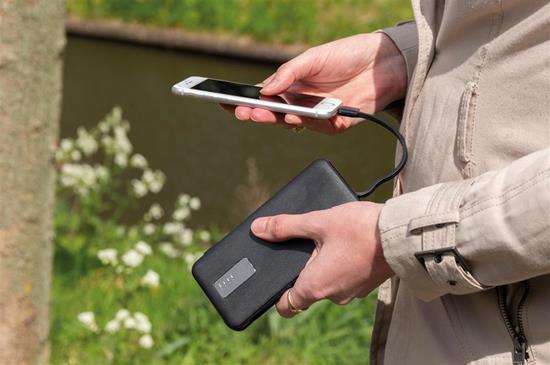 Powerbank 10.000 mAh integrerad kabel med tryck Svart
