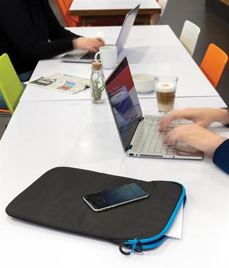 """Laptopsleeve Lättvikt 15.4"""" med tryck Svart"""