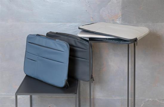 "Laptopfodral PU 15.6"" med handtag med tryck Svart"