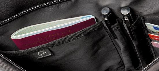"Swiss Peak RFID 15.6"" laptopfodral med tryck Svart"